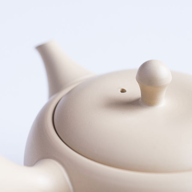 White Tokoname Tea Pot Close Up